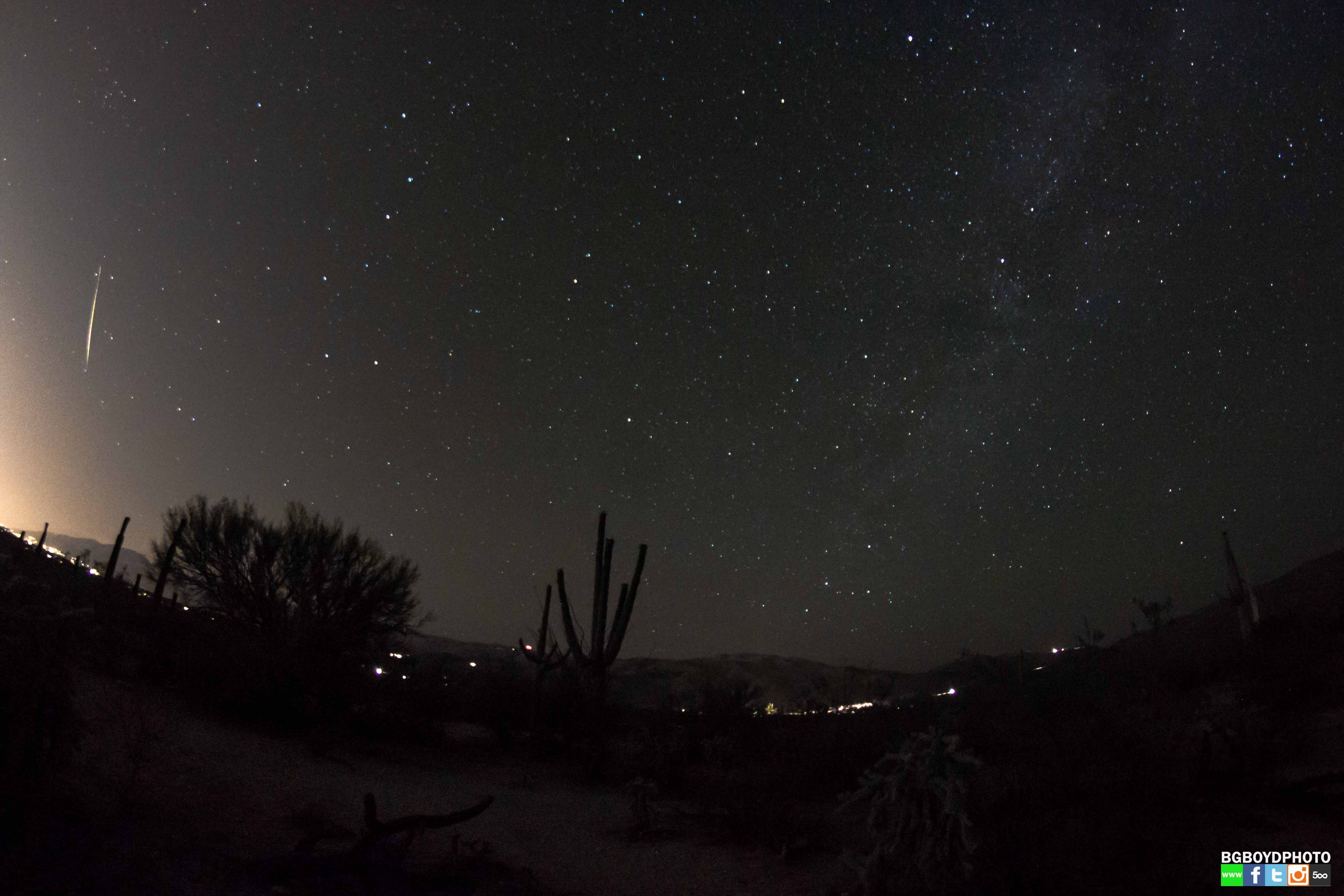 Camelopardalid Meteor Over Tucson: BG Boyd