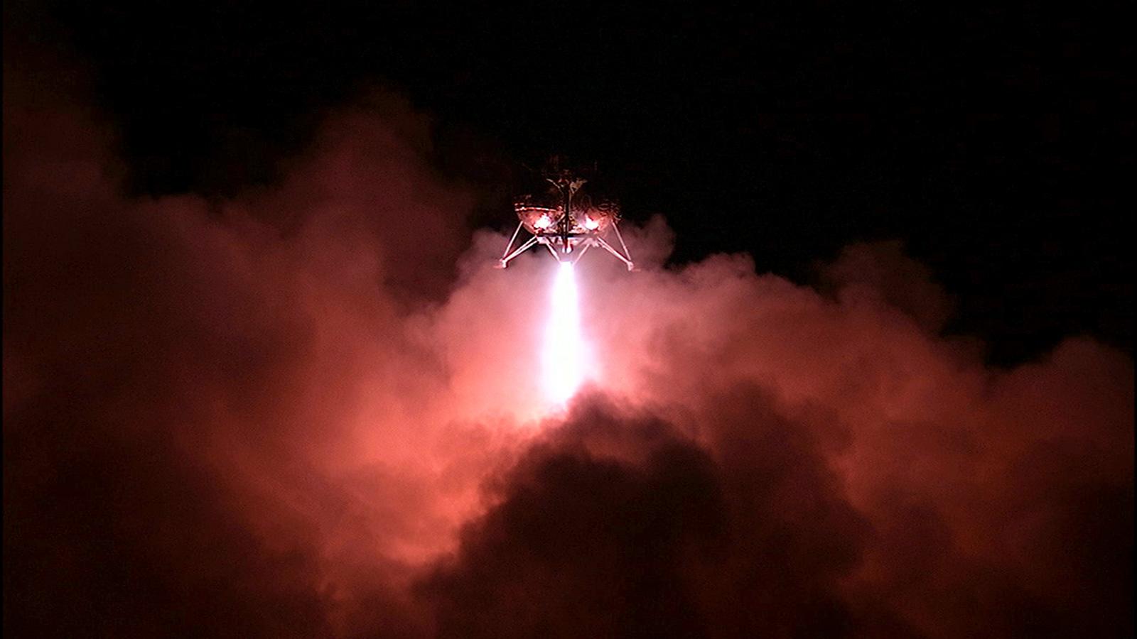 Wow! Prototype NASA Lander Aces 1st Night Flight Test (Video)