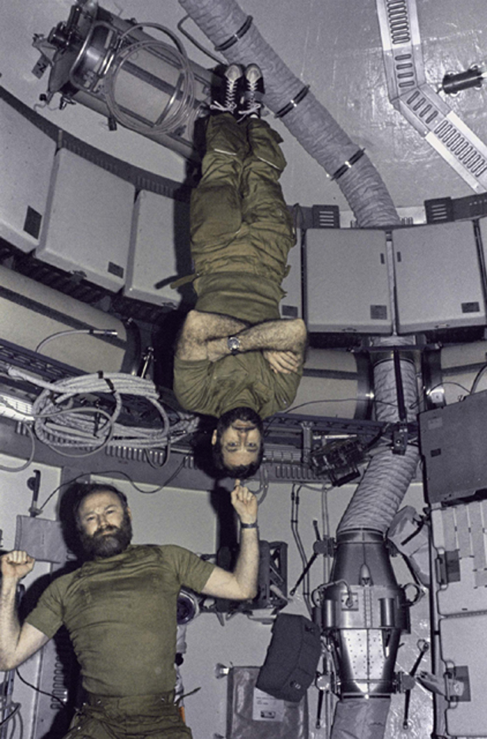Space History Photo: Carr and Pogue in Skylab