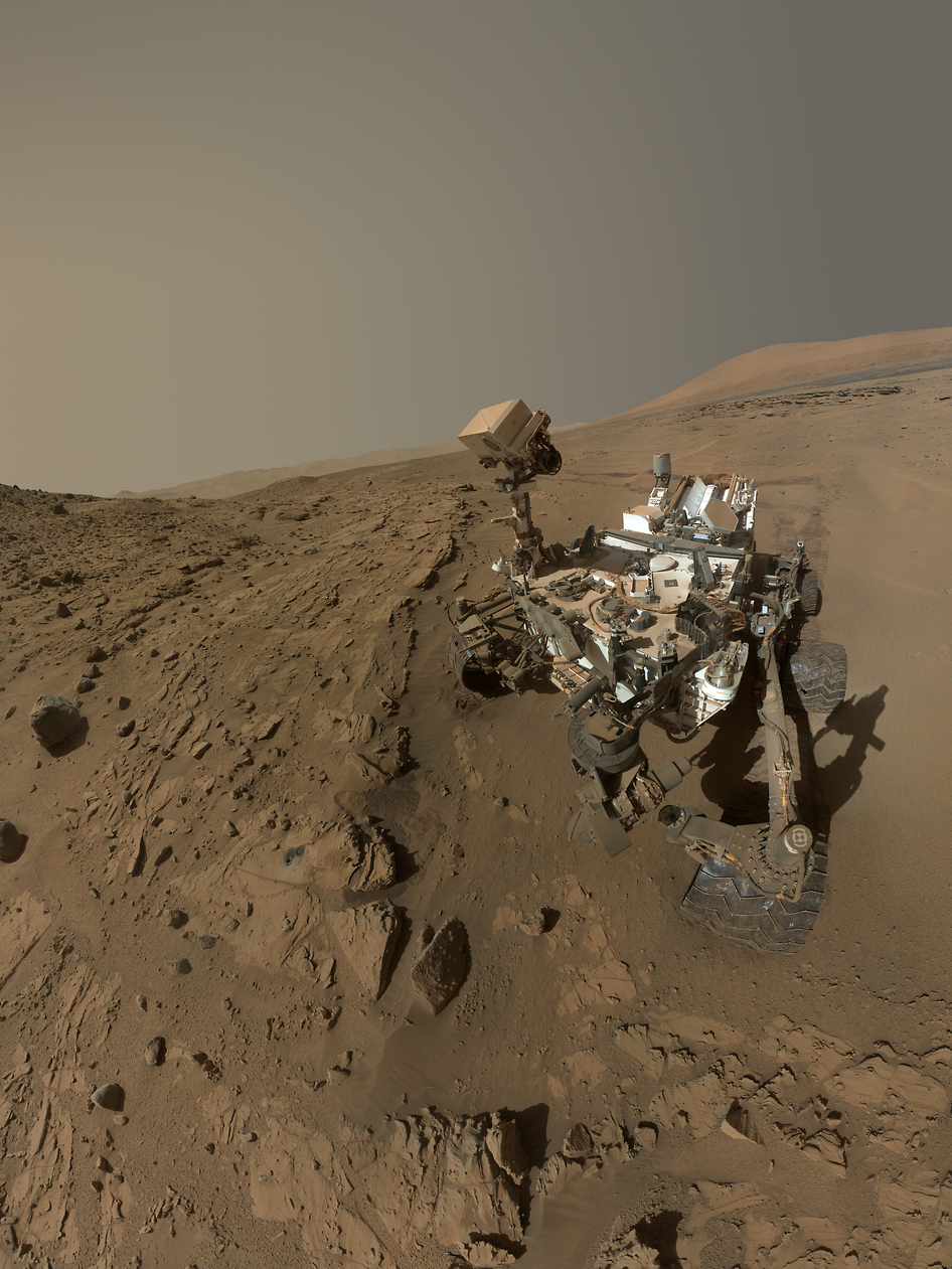 After 2 Years on Mars, NASA's Curiosity Rover Aims for Huge Mountain