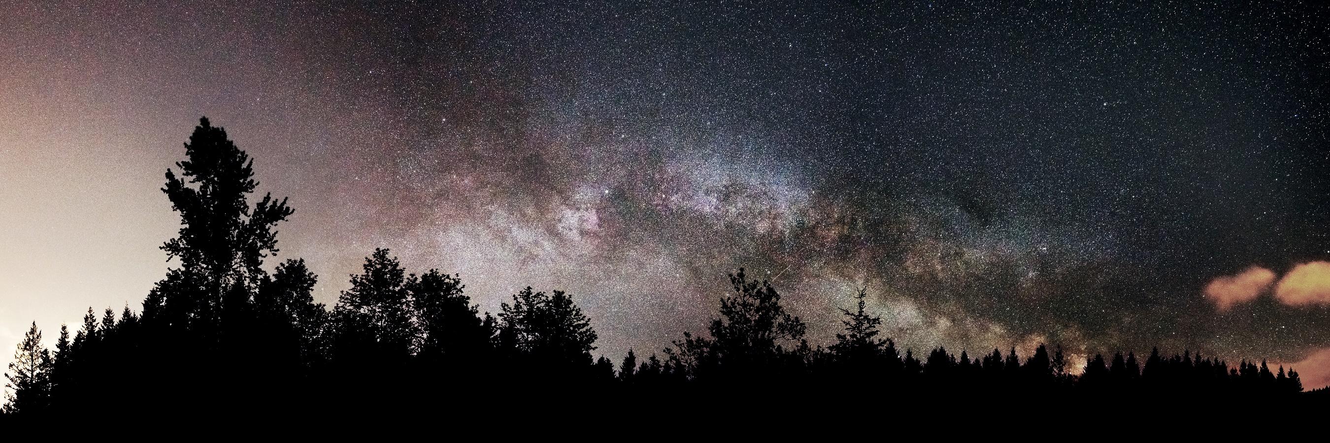 Milky Way Looms Large Over Washington in Amazing Photo
