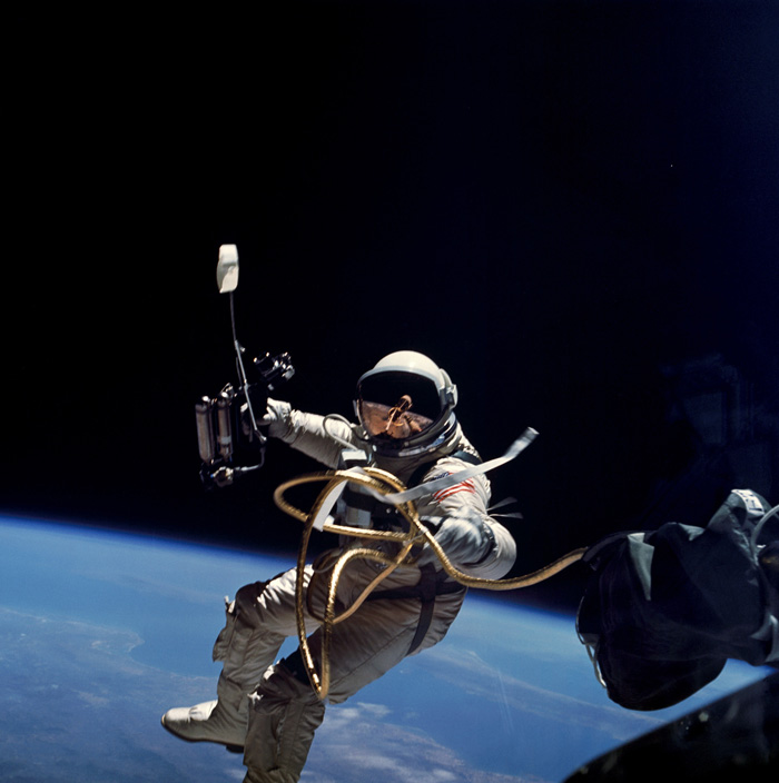 Space History Photo: Ed White Performs First US Spacewalk