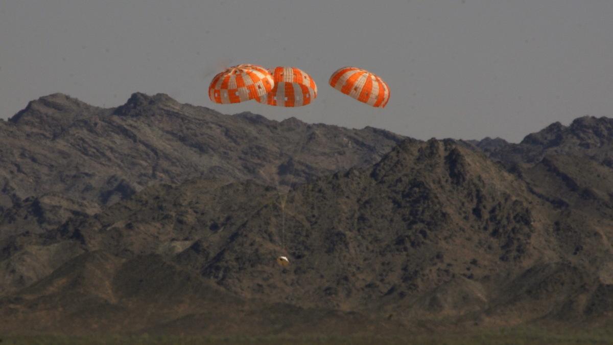 NASA's Next Manned Spaceship Passes 'Most Complex' Parachute Test