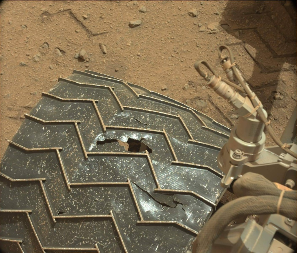 Rough Road Ahead: Rocky Mars Terrain Challenges Curiosity Rover