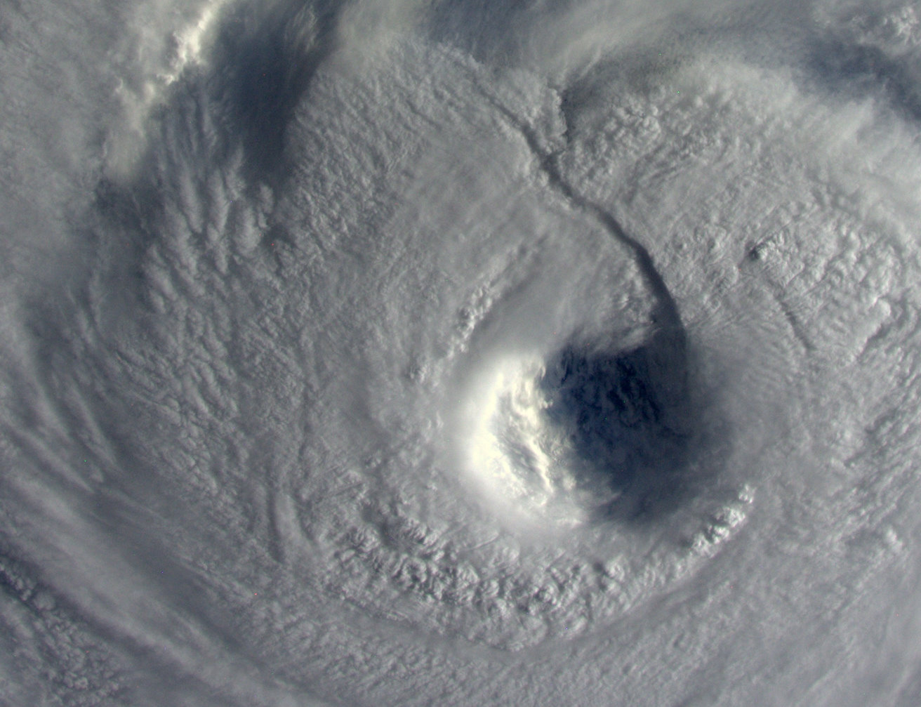 Astronauts See Typhoon Neoguri's Power from Space