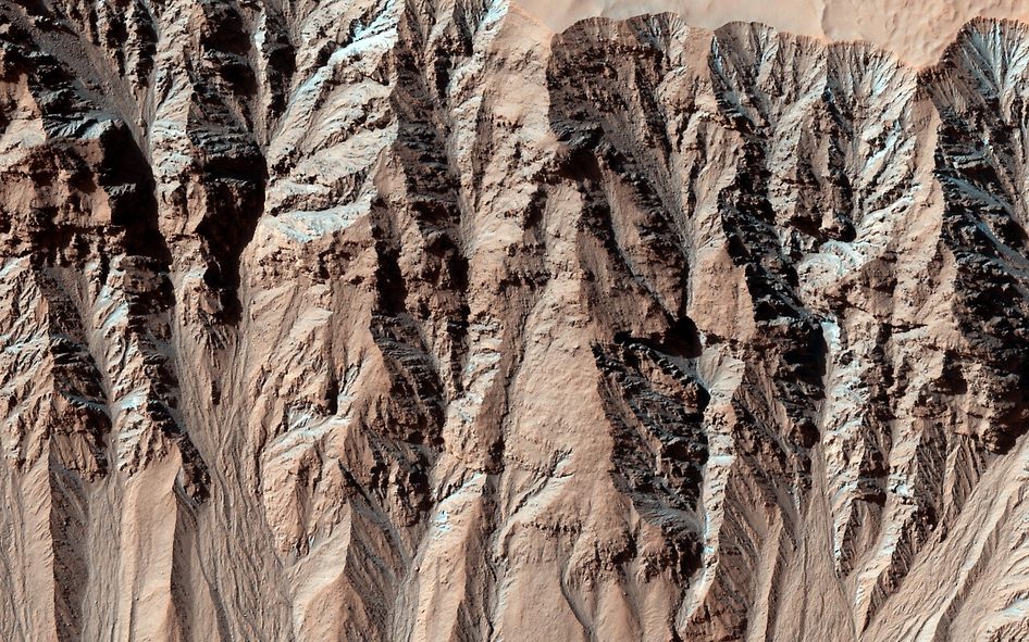 Gullies on Mars Carved by Dry Ice, Not Water