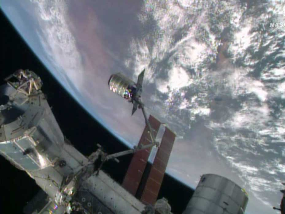 Private Cygnus Spaceship Delivers NASA Cargo to Space Station