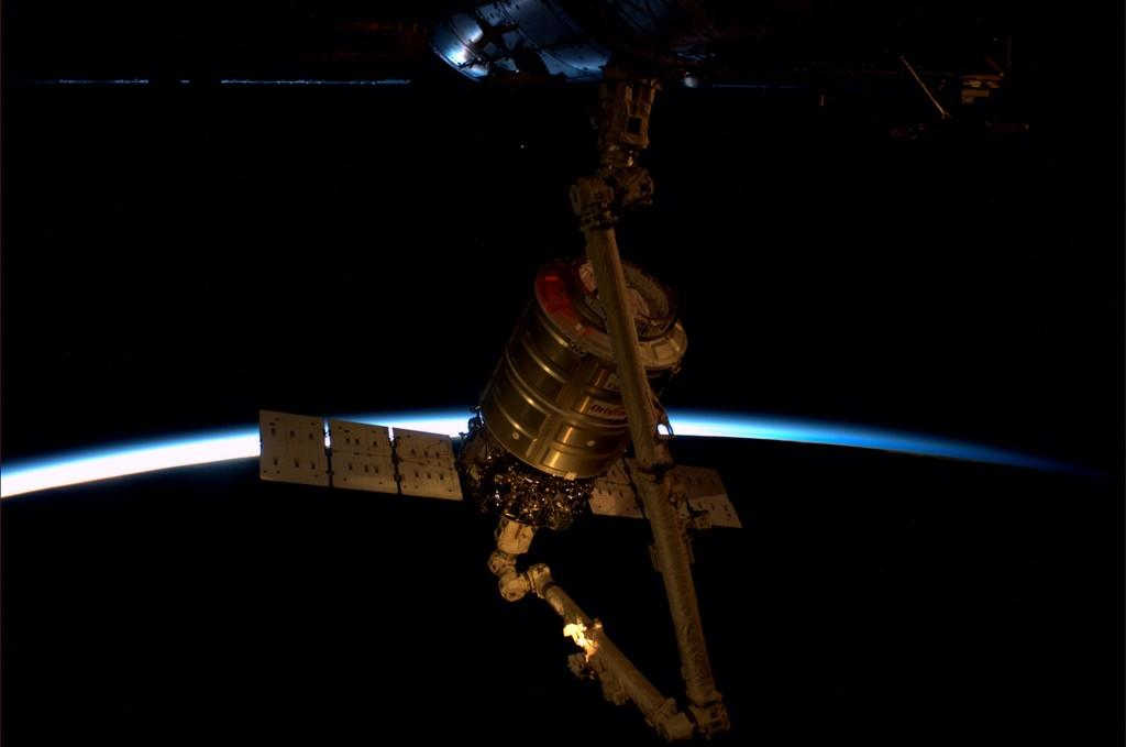 Cygnus Capsule Remotely Guided to Node 2