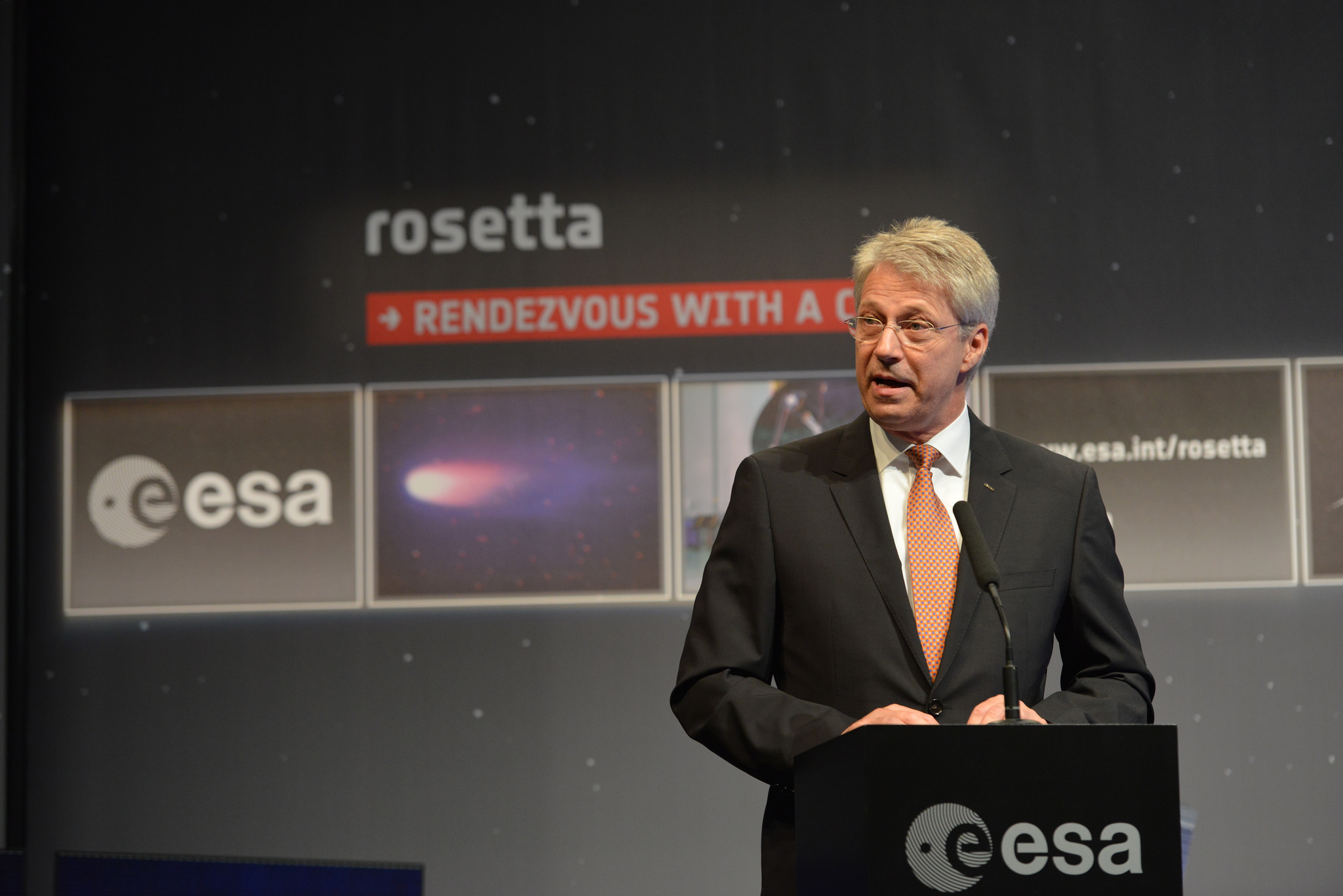 Thomas Reiter at the Rosetta Arrival