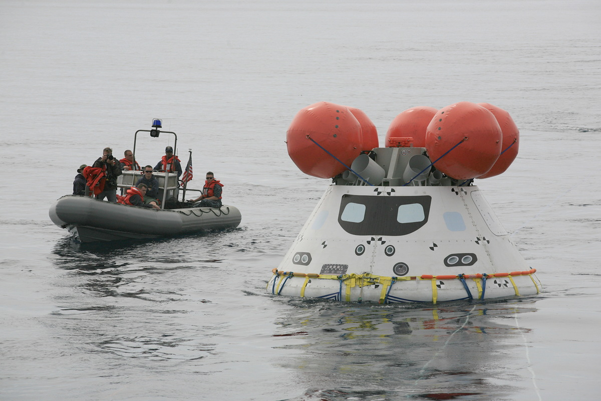 The U.S. Navy Just Fished NASA's Orion Spaceship Out of the Pacific (Photos)