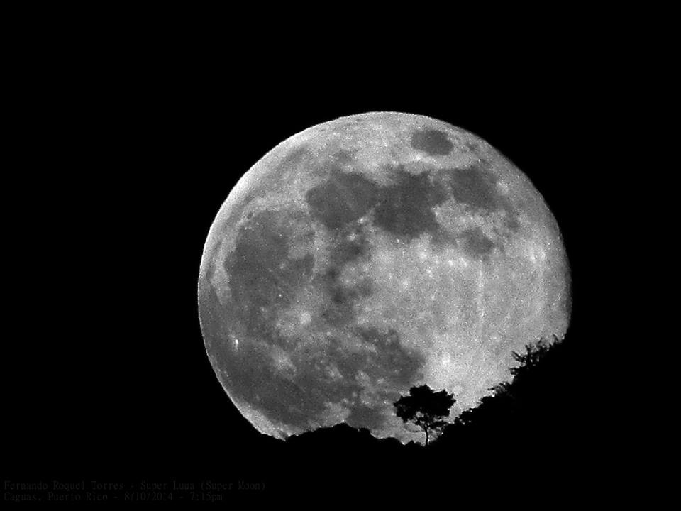 August 2014 Supermoon Over Caguas, Puerto Rico