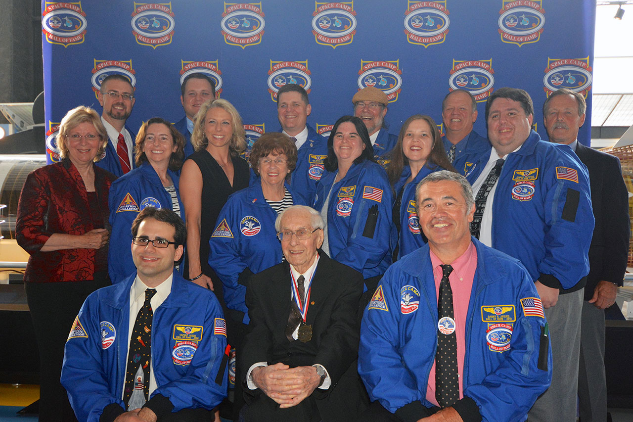 Space Camp Hall of Fame Honors Astronaut, Trainer and Entrepreneur