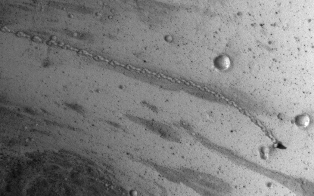 Whoa! Rolling Boulder on Mars Leaves Trail Visible from Space