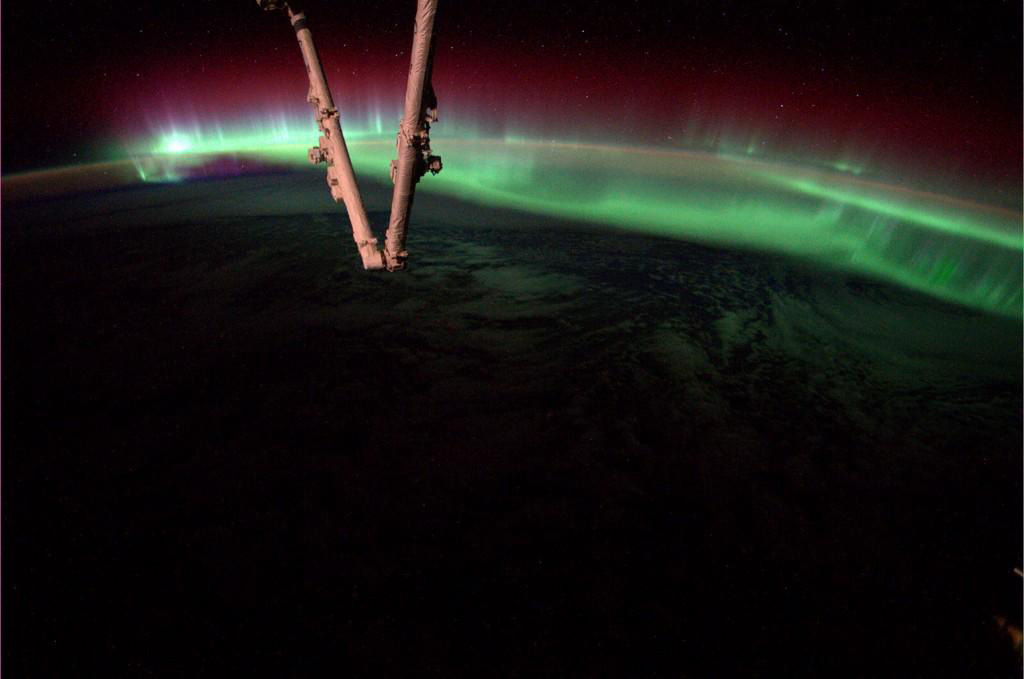 Spectacular Auroras Captivate Astronaut in Space (Photos)