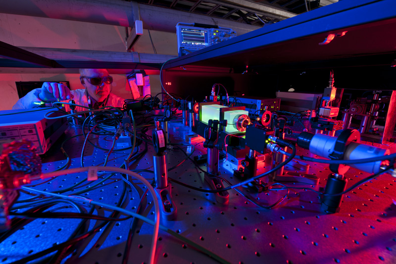Scientist Works on Fermilab's Holometer Experiment