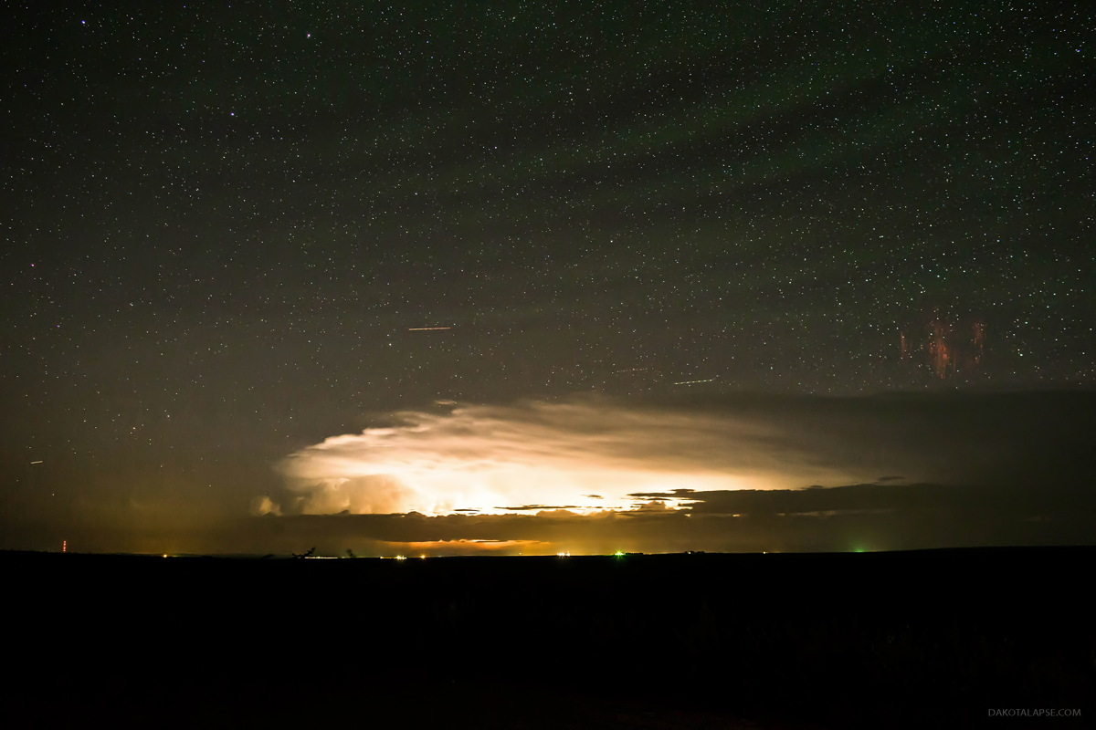 Sprites, Gravity Waves and Airglow