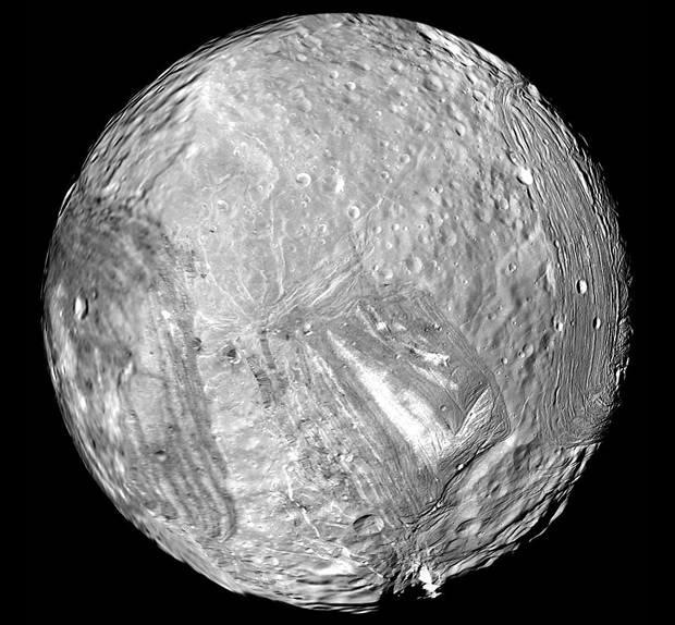 Bizarre Shape of Uranus' 'Frankenstein' Moon Explained