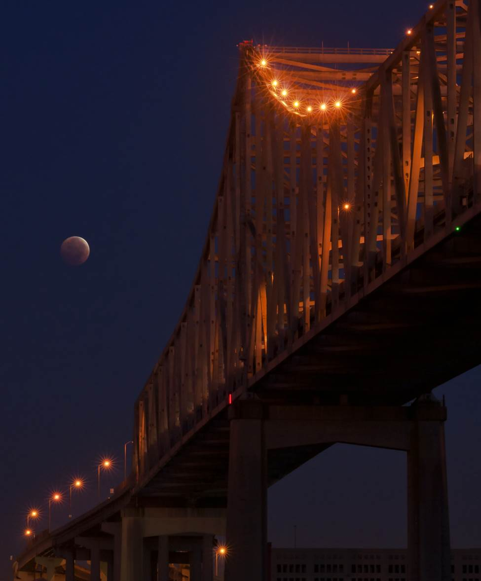 Lunar Eclipse and Crescent City Connection