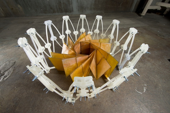 The working prototype of the design unfolds to a 4.1-foot (1.25 meter) diameter.
