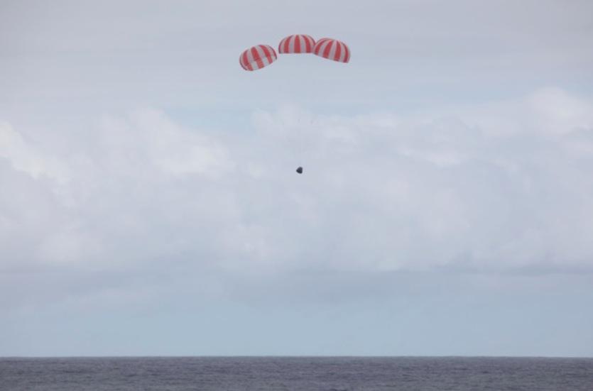 Splashdown! SpaceX's Dragon Cargo Spaceship Returns to Earth