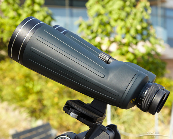 "Binoculars designed for astronomy can have strong advantages over telescopes for casual sky-watching. <a href=""http://www.amazon.com/Oberwerk-Ultra-15x70mm-Binoculars-OB15x70U/dp/B002Q706K4/?&tag=space041-20&ascsubtag=[sitespace[catNA[art27404[pidB002Q706K4[tidNA[bbcmanual"" target=""_blank"" rel=""nofollow"">BUY the Oberwerk Ultra 15x70 binoculars >>></a>"