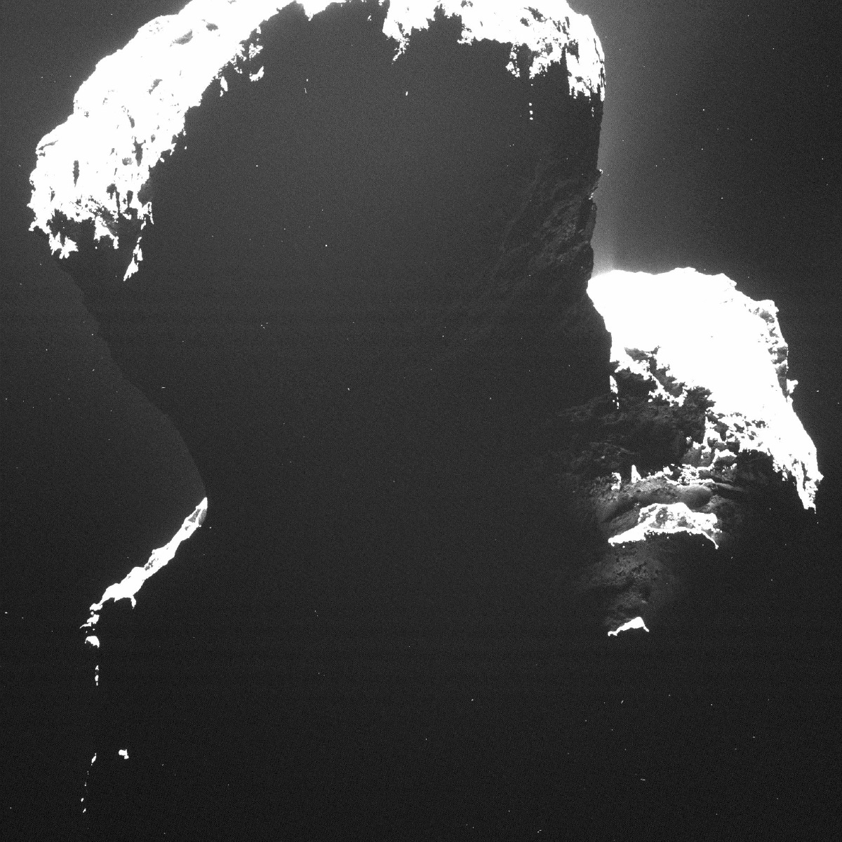 Rosetta Spacecraft Sees the 'Dark Side' of a Comet (Photos)