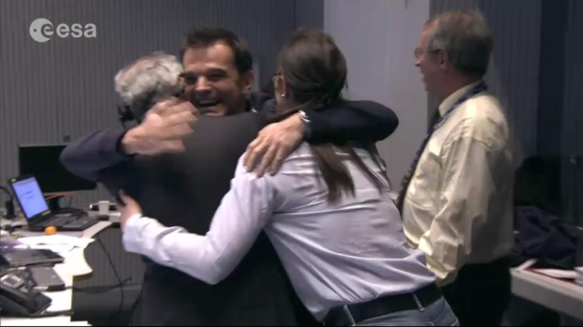 ESA Staff Celebrate Philae Landing on Comet 67P/Churyumov-Gerasimenko