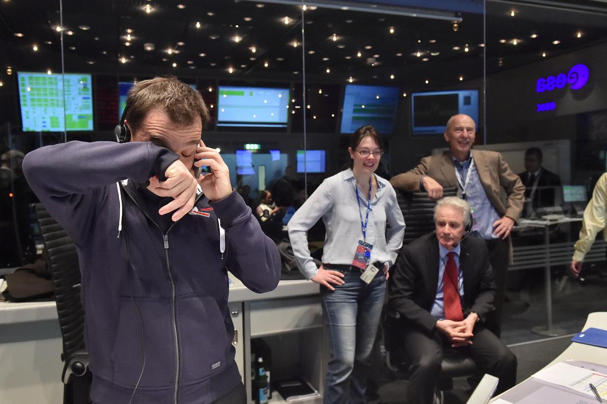 Rosetta Mission Crew's Philae Celebration