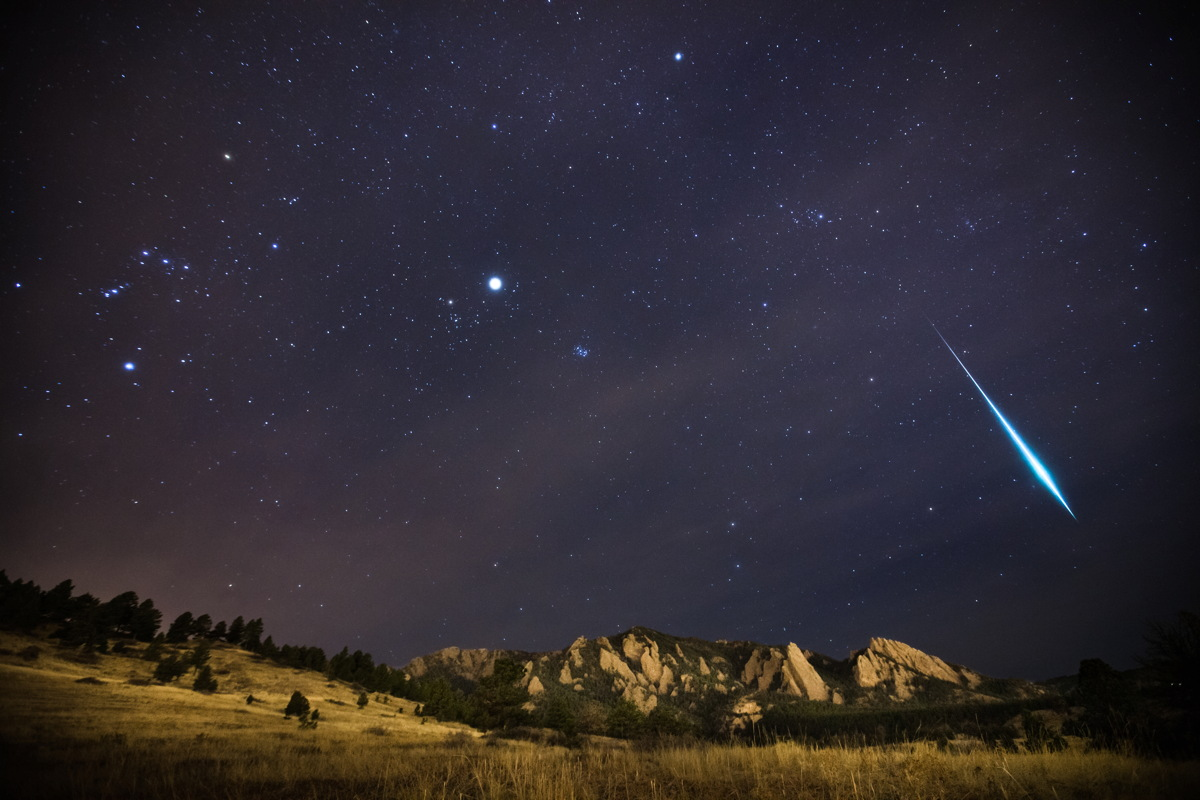 2012 Geminid Fireball Over Boulder, Colorado,