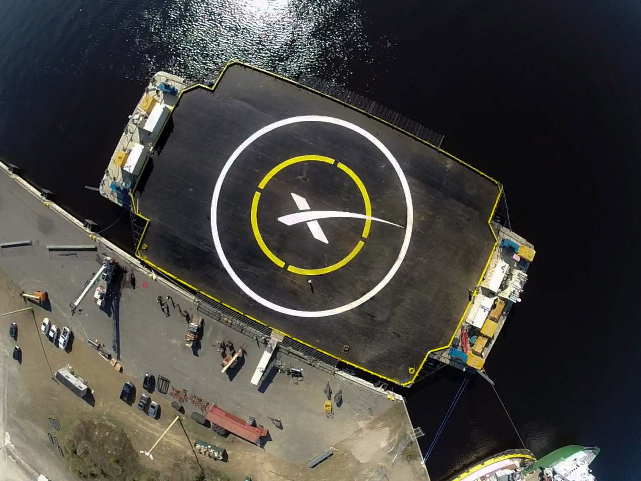 SpaceX to Try Daring Rocket Landing on Ocean Platform Tuesday: Watch It Live