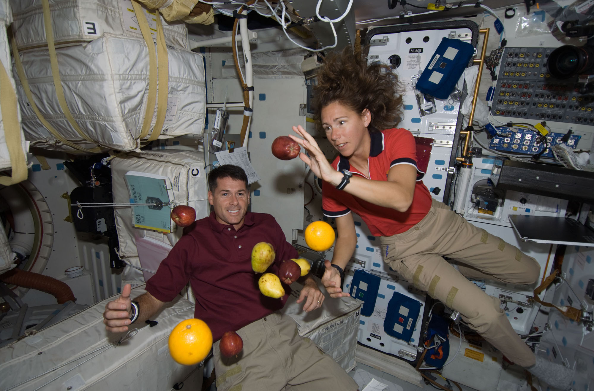 astronauts having fun in space - photo #20