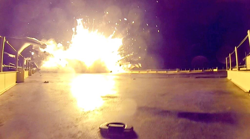 See SpaceX's Rocket Landing Crash Up Close with These Photos & Video