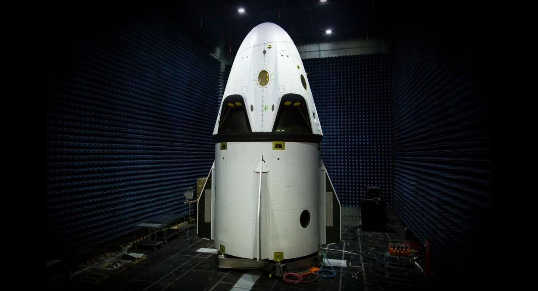 SpaceX's Dragon Spaceship Pad Abort Test in Photos