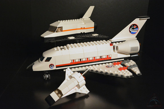 lego mini space shuttle toy soars out of stores in giveaway. Black Bedroom Furniture Sets. Home Design Ideas