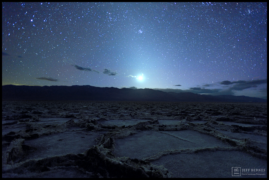 How to See the Ghostly Zodiacal Light of the Night Sky