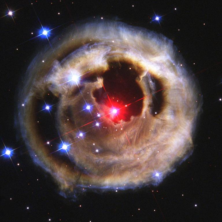 2003: V838 Monocerotis
