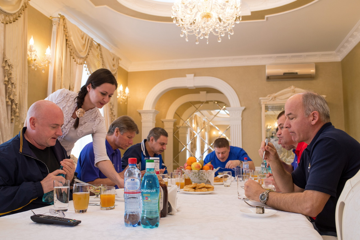Expedition 43 Crew Lunch