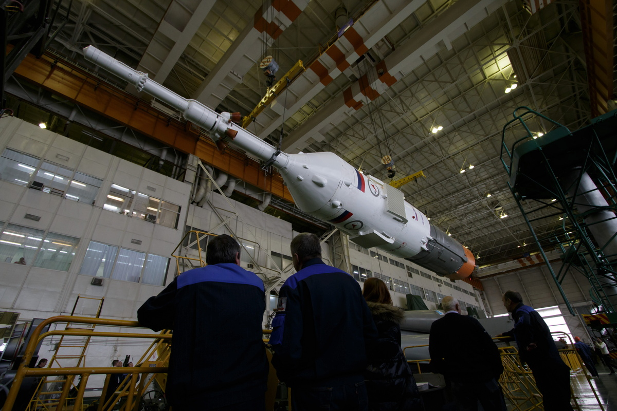 Expedition 43 Soyuz Assembly
