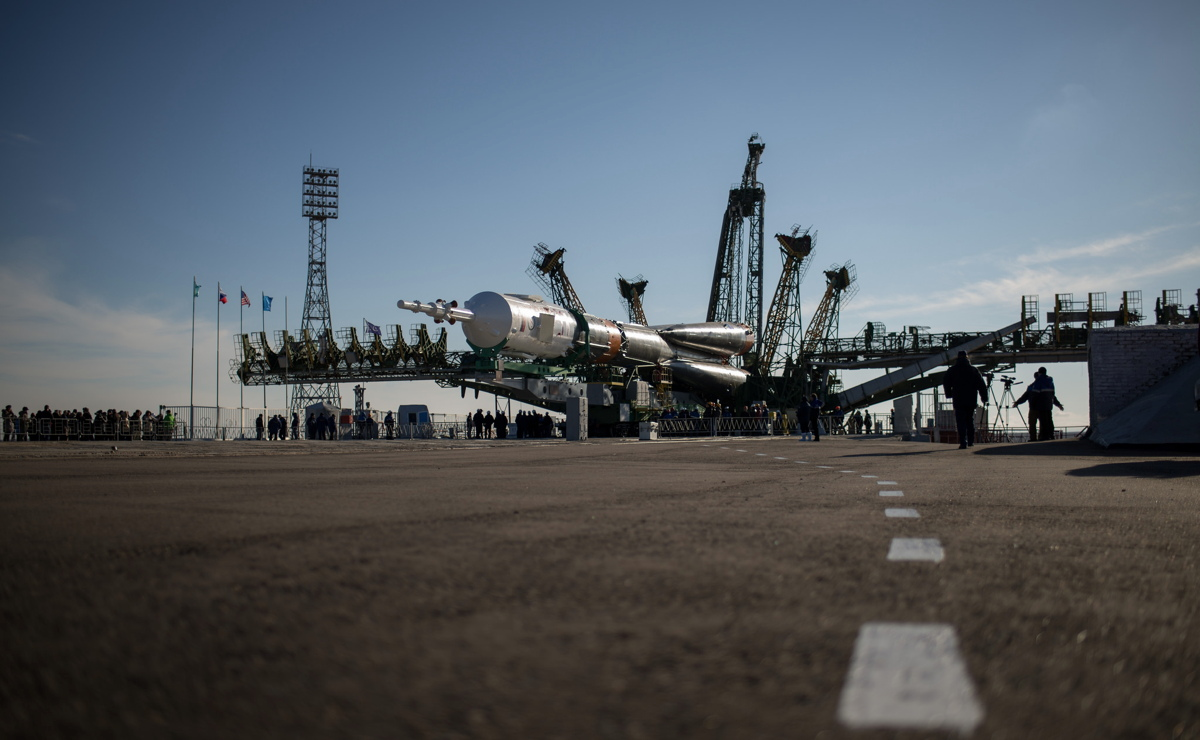 Expedition 43 Soyuz Raising