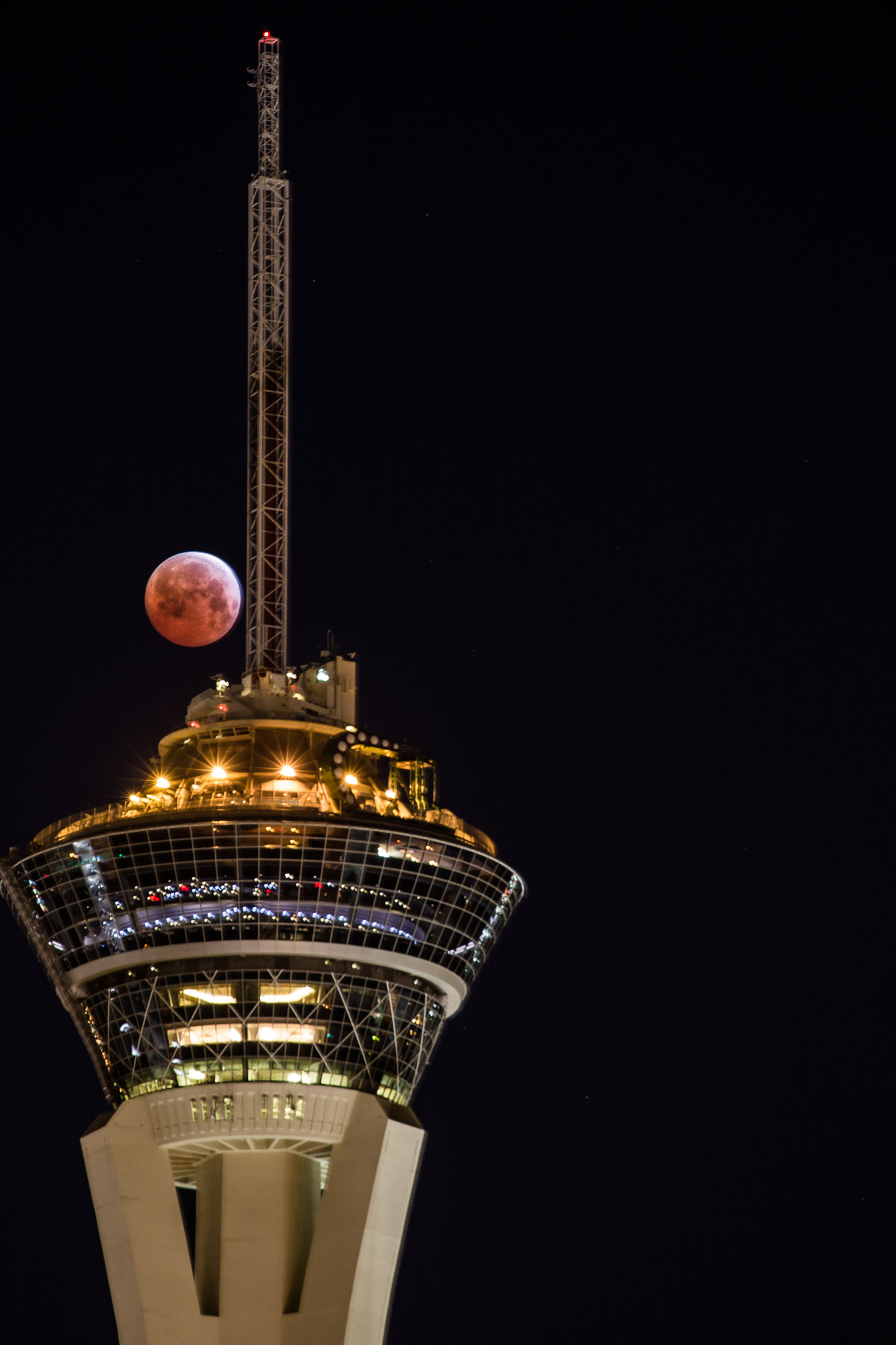 Total Lunar Eclipse in Las Vegas: Tyler Leavitt