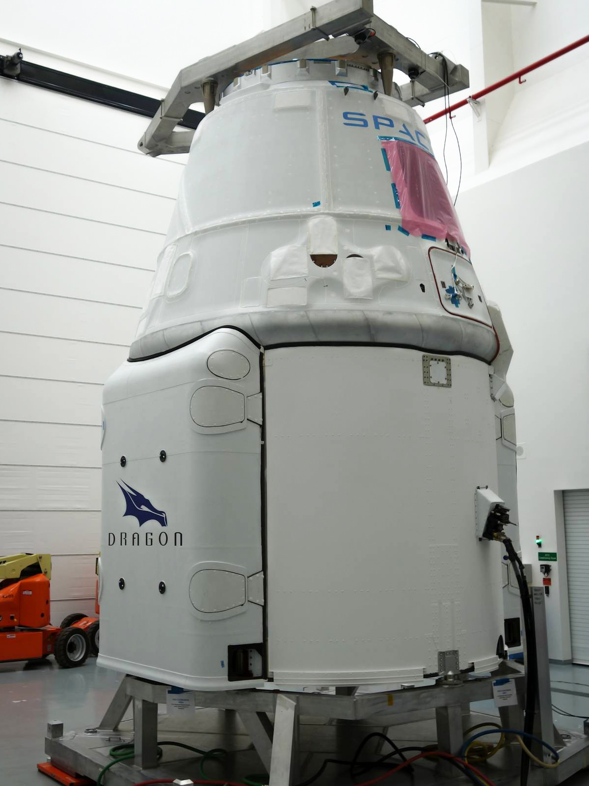 SpaceX's Dragon Capsule Ahead of Cargo Launch