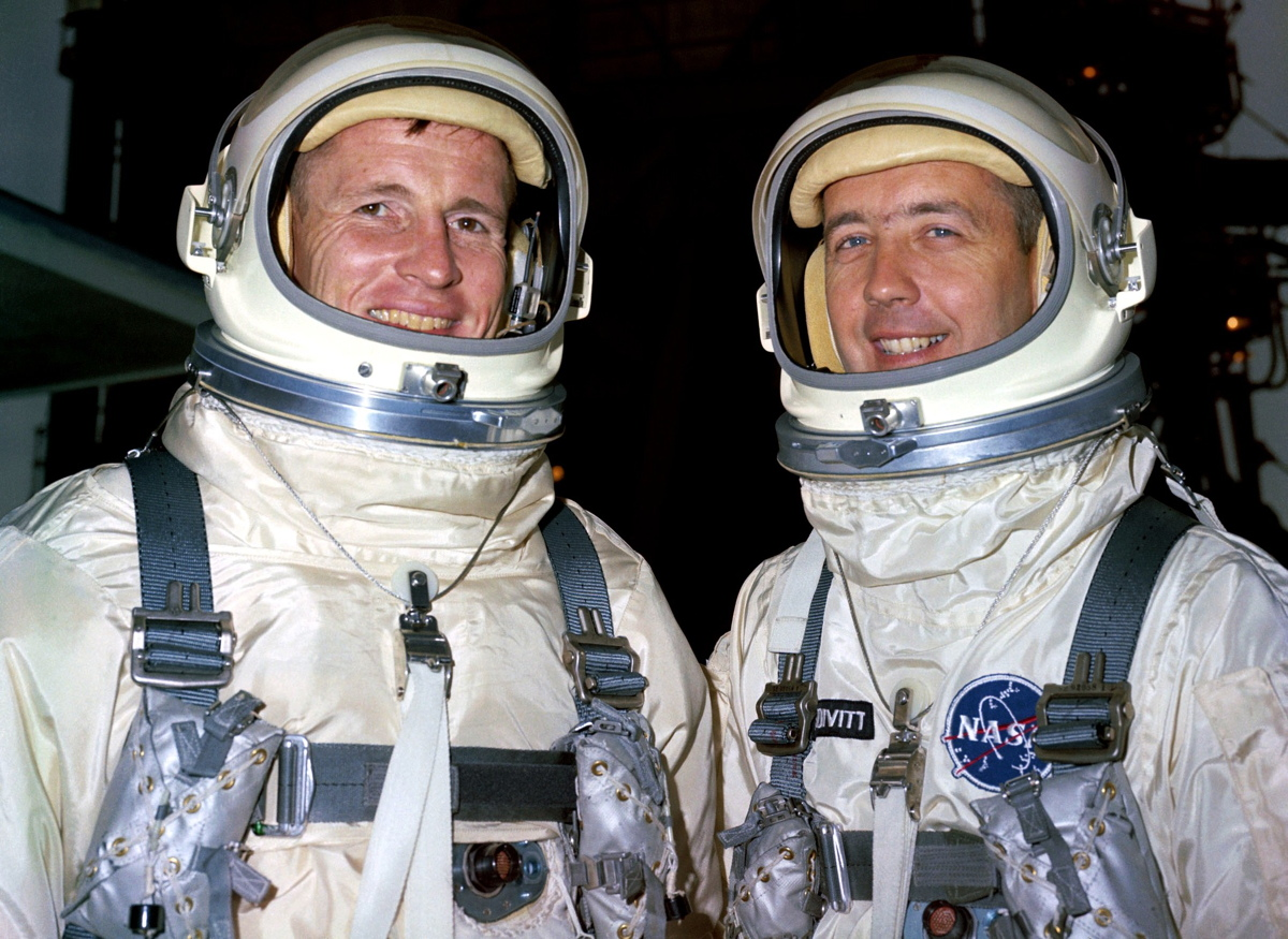 The 1st American Spacewalk in NASA Photos