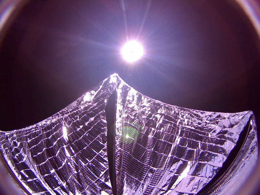 LightSail Spacecraft Snaps Solar Sail Selfie in Space (Photo)