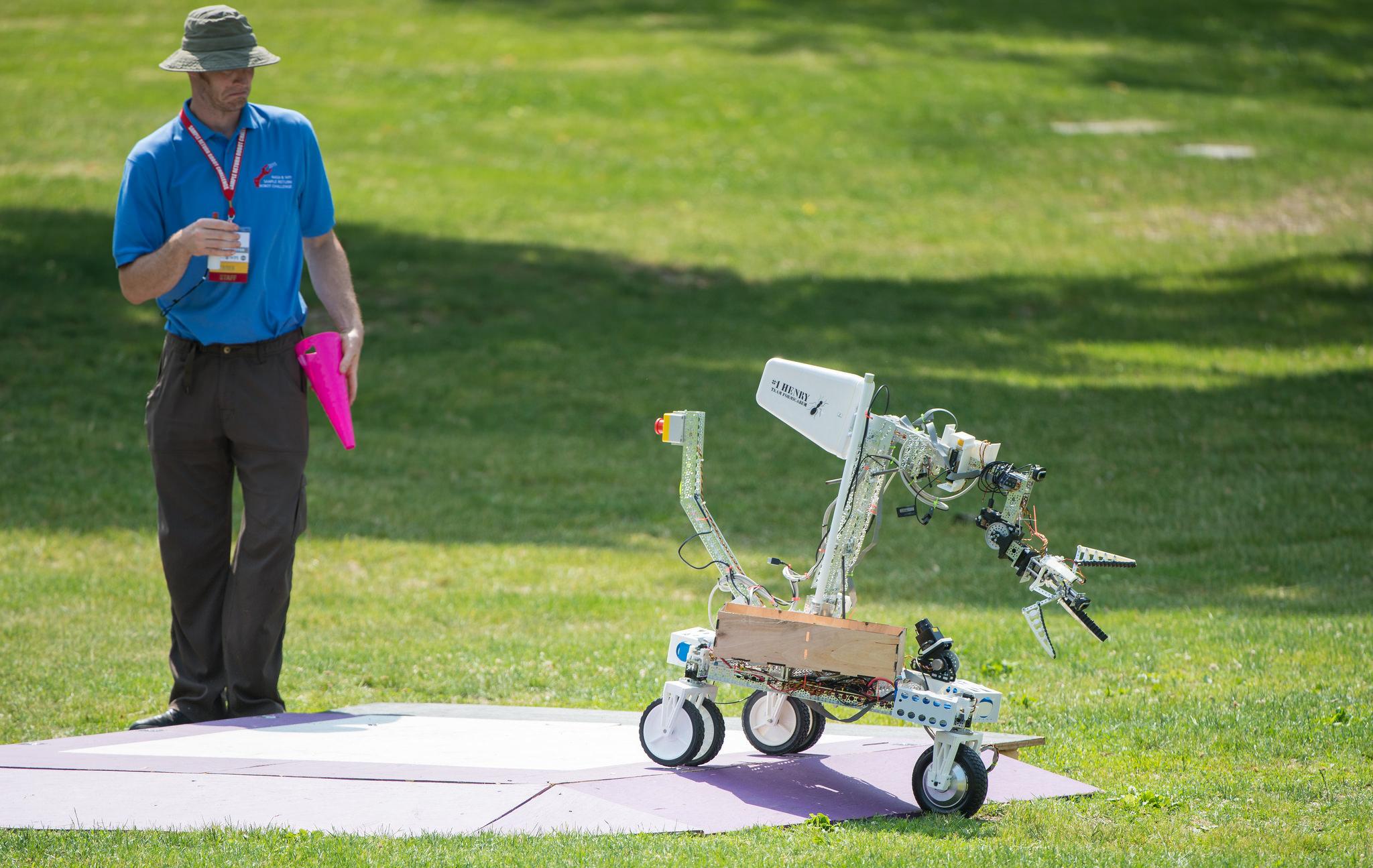 Robots Face Off in $1.5 Million NASA Sample Return Challenge