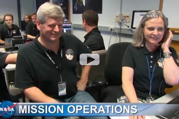 New Horizons 'Phones Home' After Fly-By - Nominal Flight! | Video