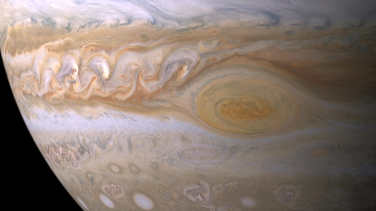 Jupiter's Great Red Spot: Photos of the Solar System's Biggest Storm