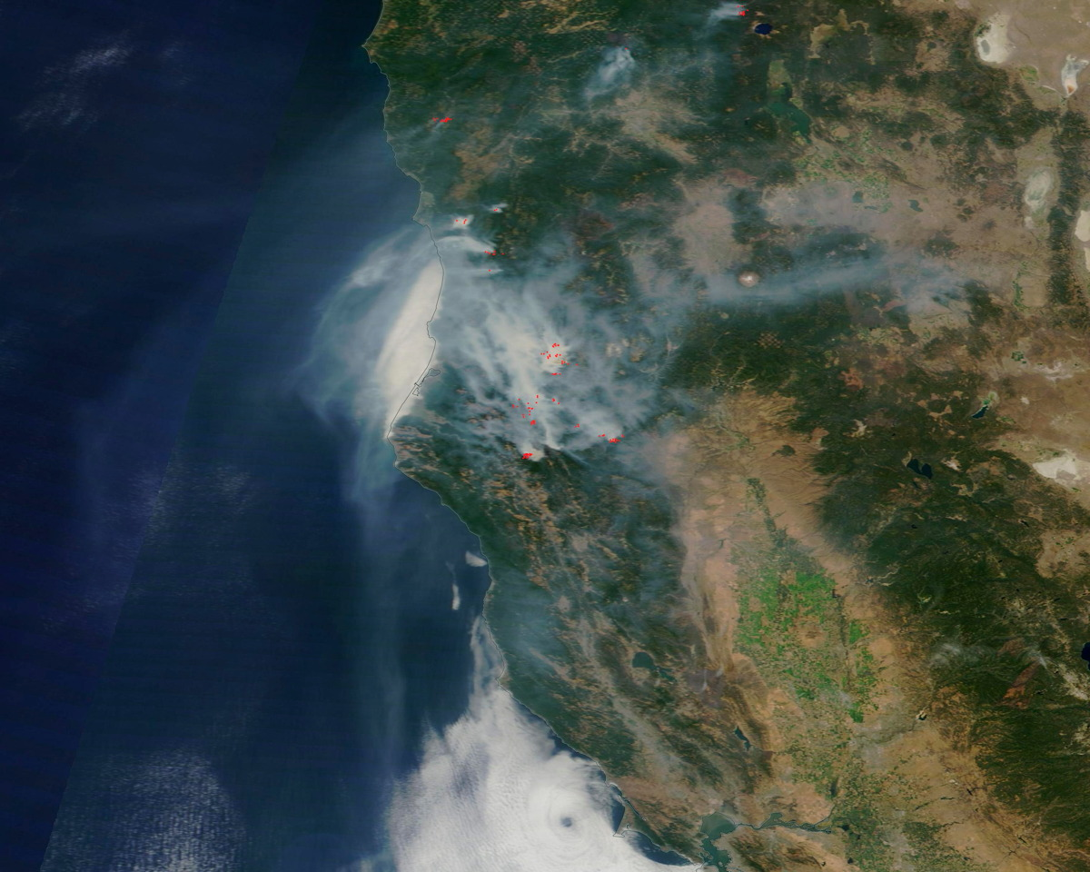 Smoke from Wildfires in California, Washington Seen from Space (Photos)