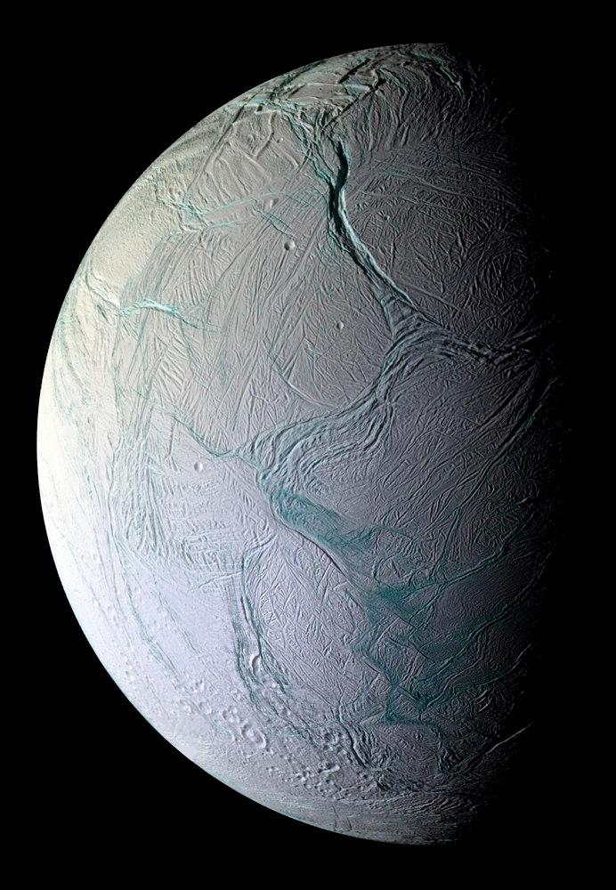 NASA Mulling Life-Hunting Mission to Saturn Moon Enceladus