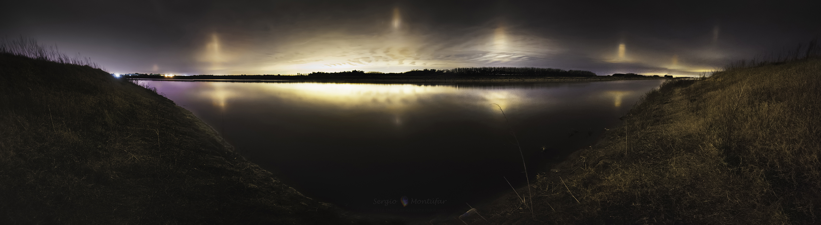 Light Pillars from Argentina by Montufar