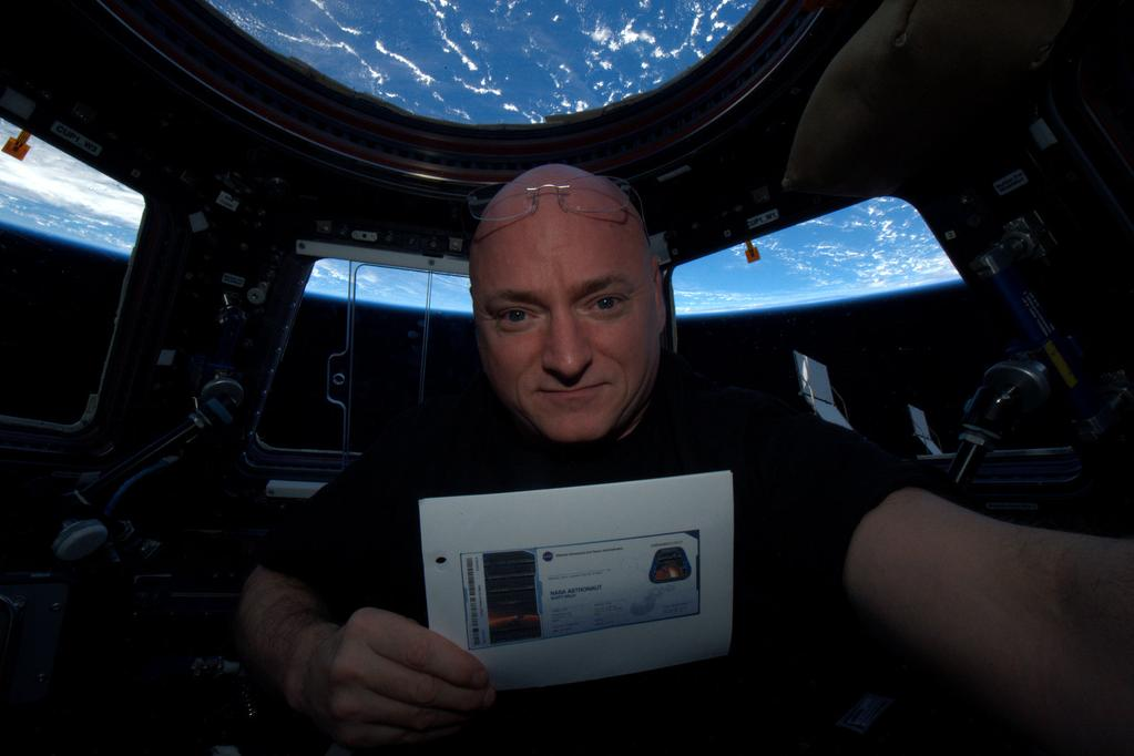 6 Months in Space, Astronaut Scott Kelly Misses Food, Outdoors and Loved Ones